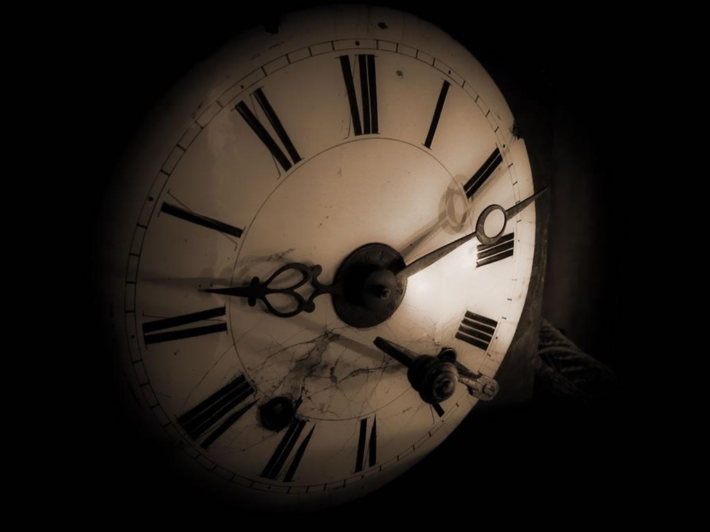 Científicos logran retroceder el tiempo por una fracción de segundo