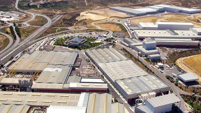 Velasco resalta innovación y fuerza exportadora sector del mármol