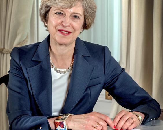 Theresa May podría presentar su dimisión este viernes, según 'The Times'