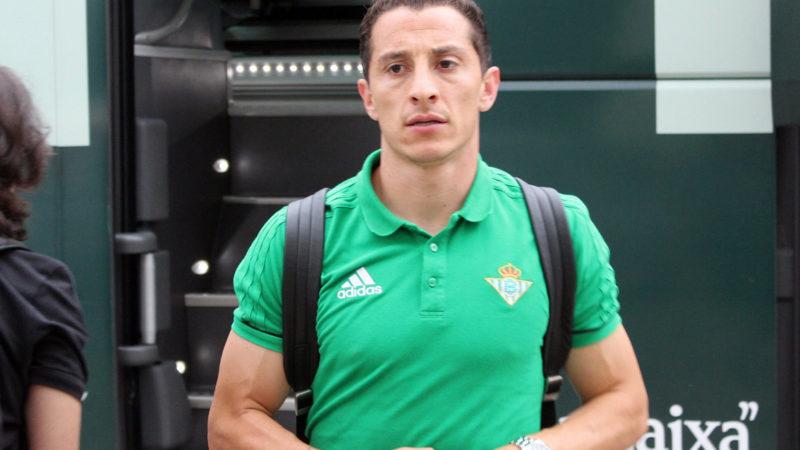 El mexicano Andrés Guardado continuará en el Real Betis