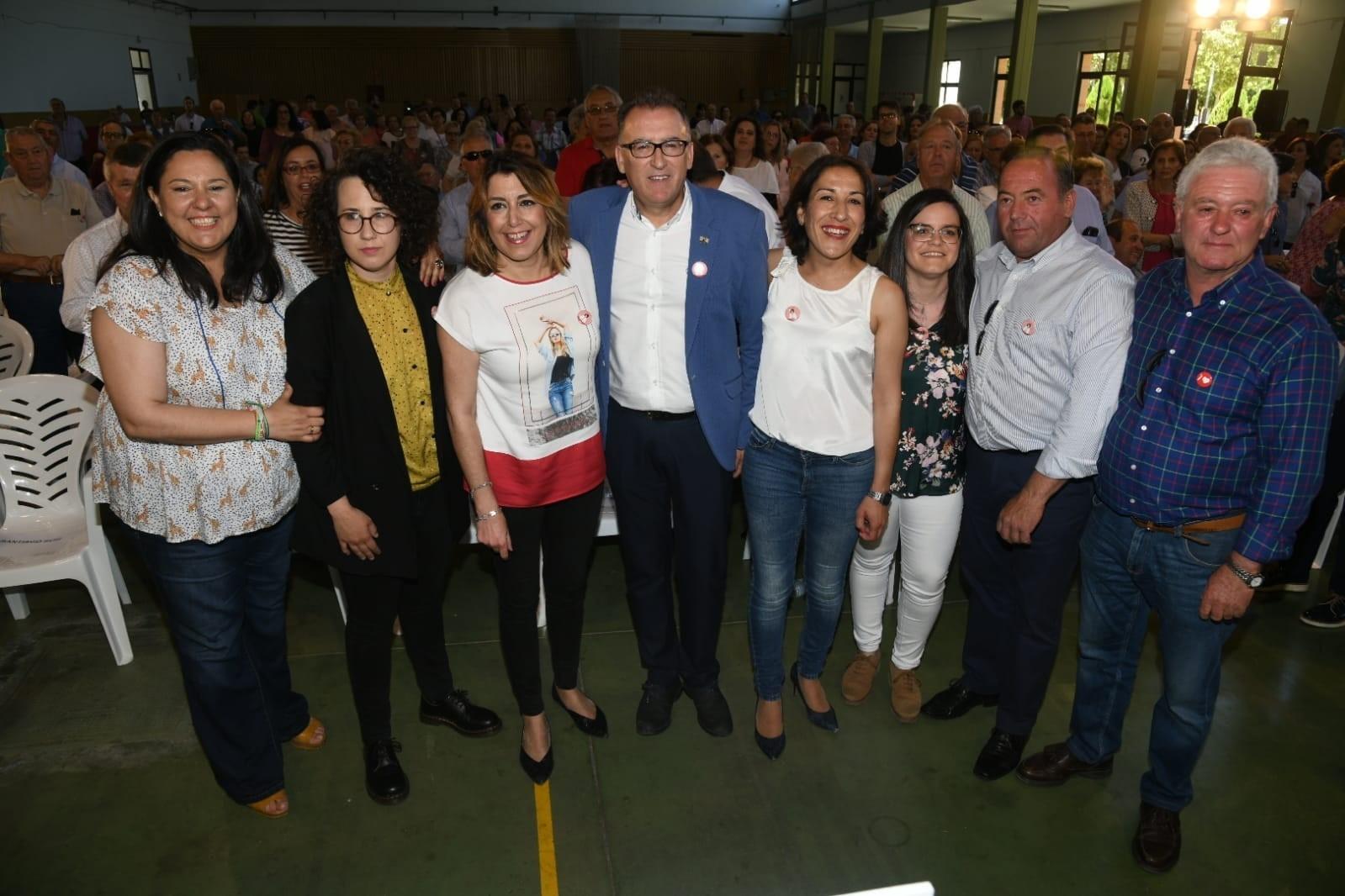 """Susana Díaz: Se puede parar """"a la extrema derecha"""" porque """"sigue viva la generación de la Transición"""""""