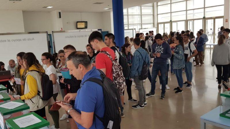 Los catedráticos Piniella y Mantell afrontan hoy la segunda vuelta de las elecciones a rector de la UCA