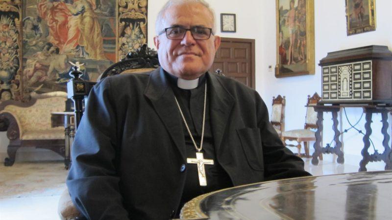 """El obispo dice sobre 'Maculadas sin remedio' que supone un """"rebrote de la lucha entre la Mujer y Satanás"""""""