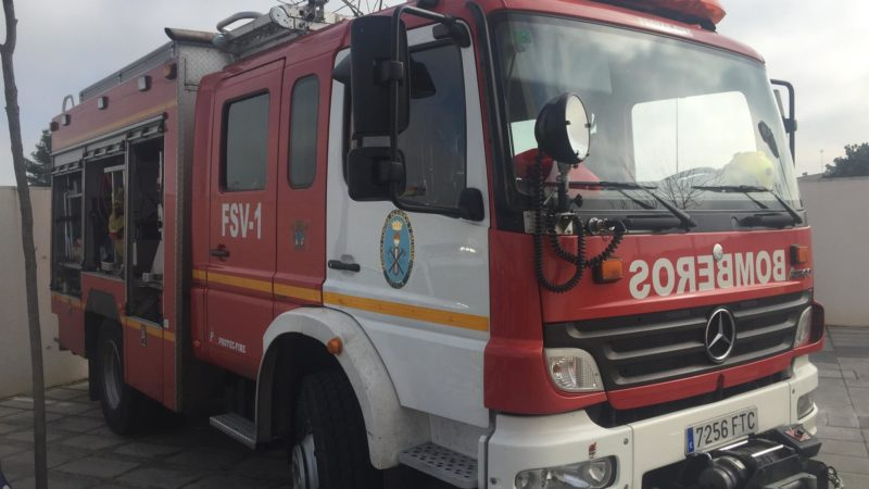 El Ayuntamiento aloja en el campo de fútbol a los afectados por incendio